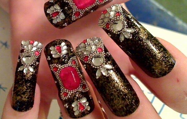 diseño de uñas góticas acrilicas