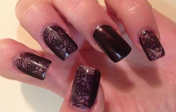 diseño de uñas góticas pintadas