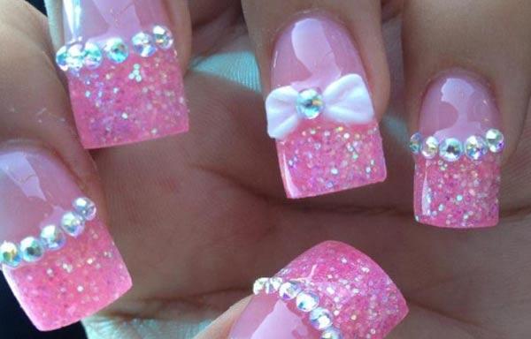 diseño de uñas con lazos acrilicas