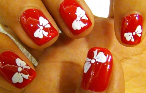 diseño de uñas con lazos esmalte