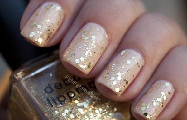 diseño para las uñas de las manos oscuras oscura brillo