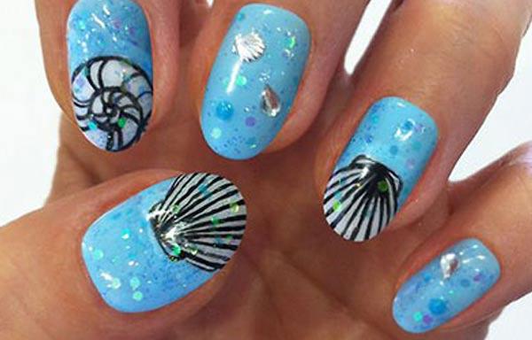 diseño de uñas para playa conchas