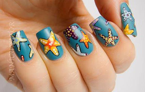 diseño de uñas para playa estrellas