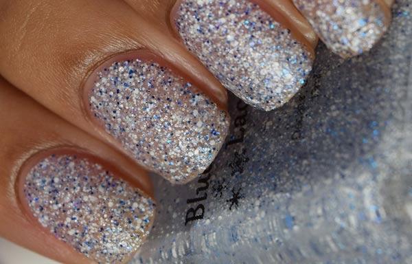 diseños de uñas con purpurina destellos