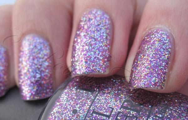 diseños de uñas con purpurina plata
