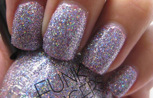 diseños de uñas con purpurina plateado