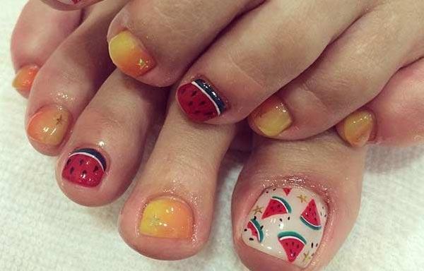 Diseño de uñas de sandia para pies