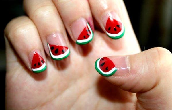 diseño de uñas de sandía pintadas