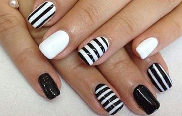 diseño uñas de señora con lineas