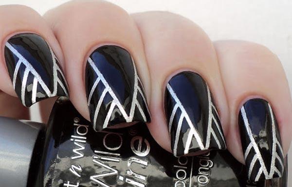 diseño uñas de señora con rayas