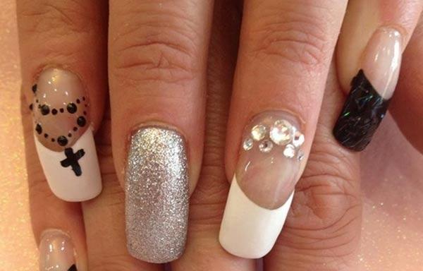 diseños de uñas que usa color
