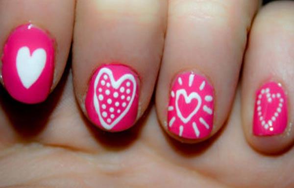 diseño de uñas para xv años corazones