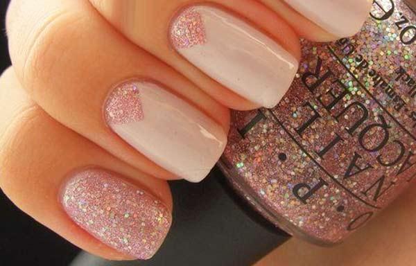 uñas decoradas color nude glitter