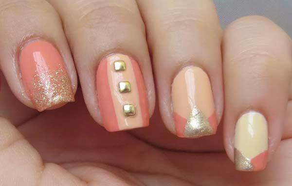 uñas decoradas color salmón piedras
