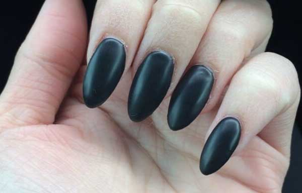 uñas decoradas puntas negras
