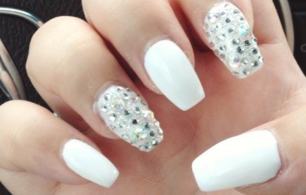 Uñas decoradas color blanco - UñasDecoradas CLUB