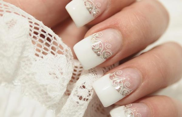 uñas decoradas blancas francesas