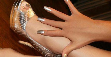 uñas decoradas color plata