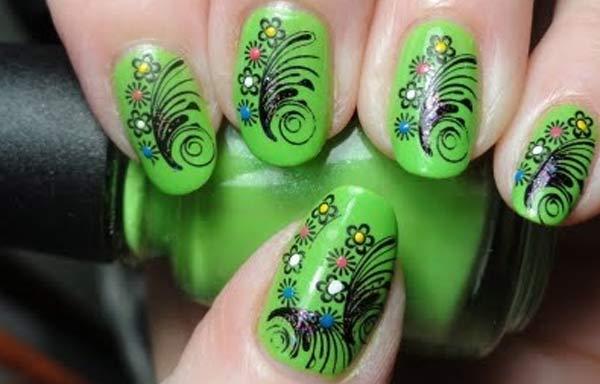 uñas decoradas color verde acrilicas