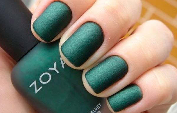 uñas decoradas color verde militar