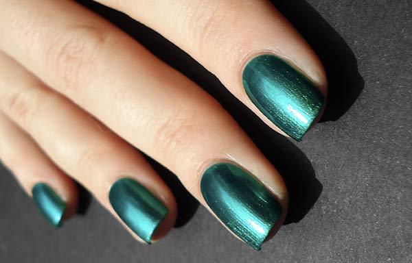 uñas decoradas color verde neon