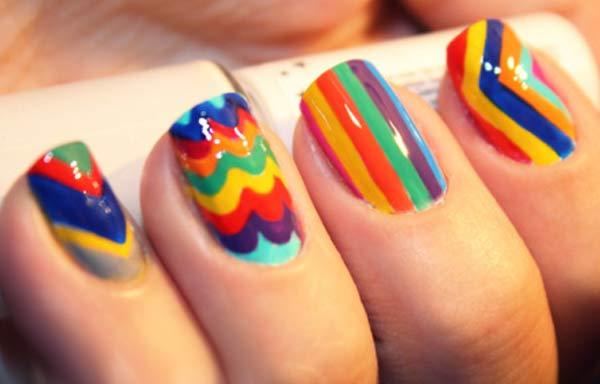 uñas con esmaltes colores neon
