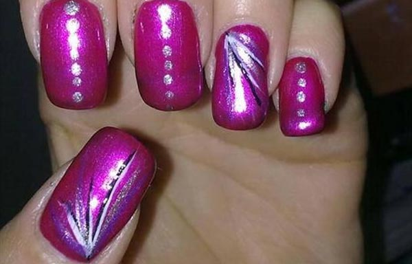uñas decoradas color bugambilia con manicura