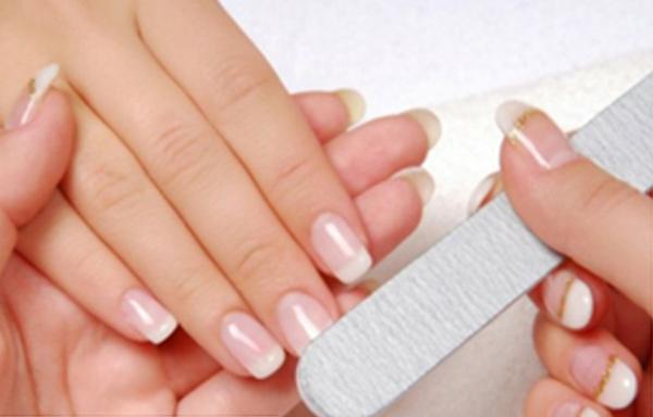 cuidados uñas de gel decoradas