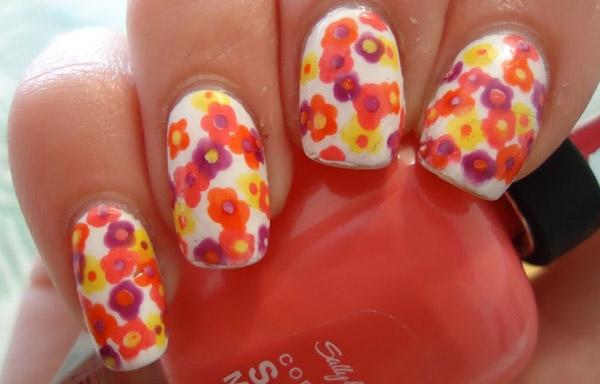 uñas decoradas flores coloridas