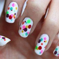 uñas decoradas a mano