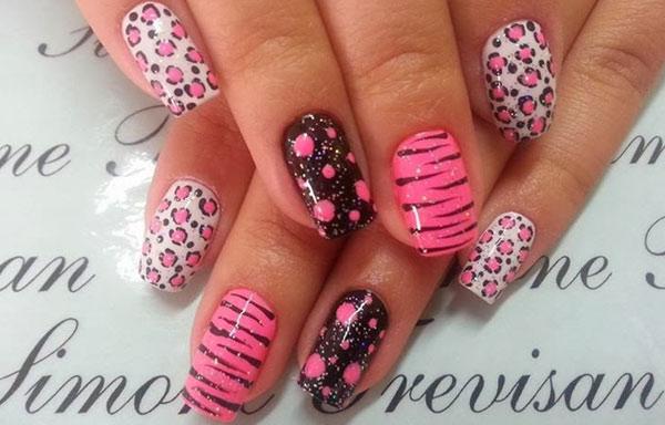 uñas decoradas a mano alzada con esmalte