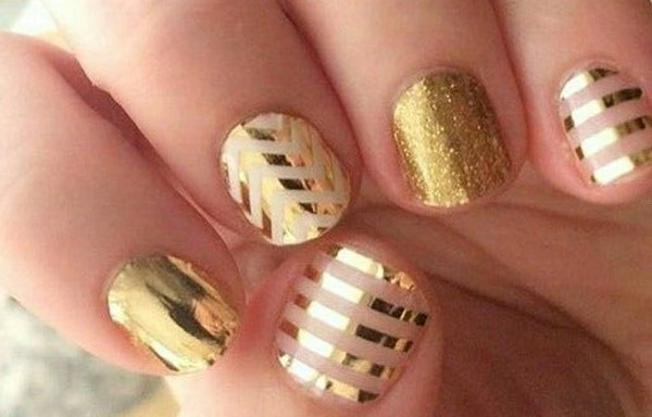 decorado de uñas a rayas