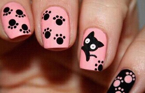 uñas decoradas con dibujos de gatos