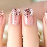 uñas decoradas con purpurina