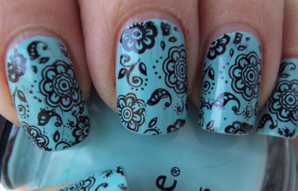 diseños de uñas decoradas con sellos