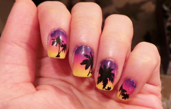 uñas decoradas con paisajes de playa