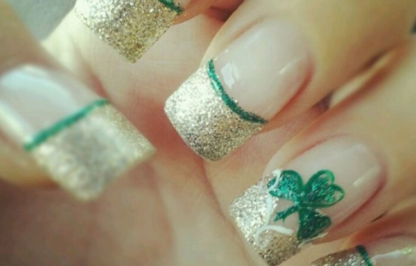 uñas decoradas de trebol