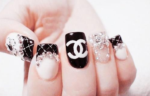 uñas decoradas chanel